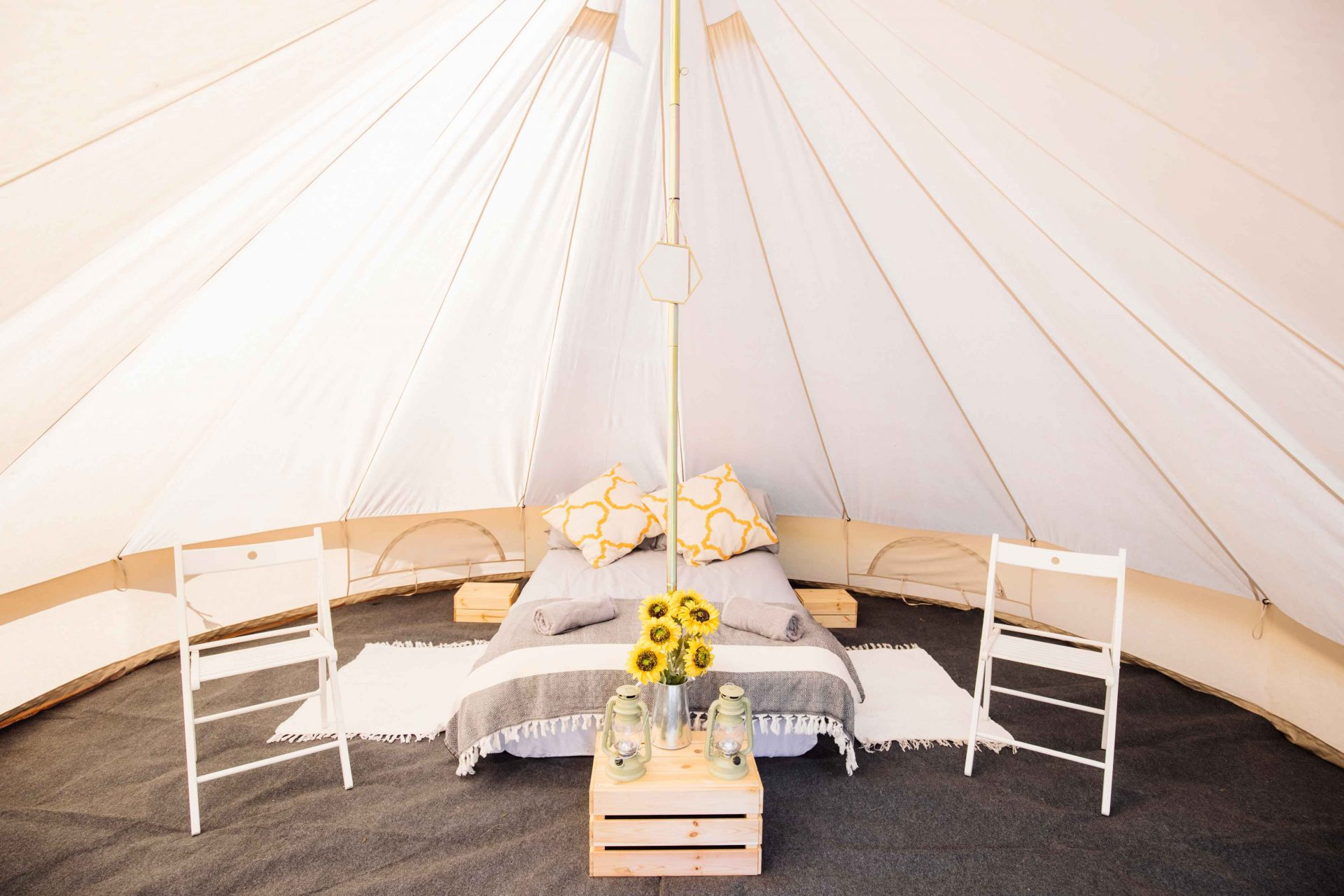 Luxury Bell Tent ... & Luxury Bell Tent for Two - Bed Ferret